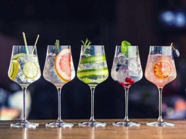 Коктейли с шампанским: 22 игристых рецепта