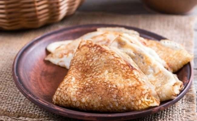 Постные блины на манке с дрожжами – рецепт без яиц