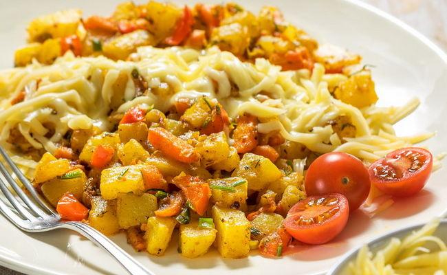 Тушёные овощи с лапшой Роллтон – простой рецепт на каждый день