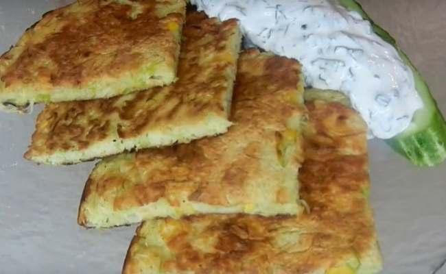 Рецепт блинов из белокочанной капусты с кукурузой и яйцом