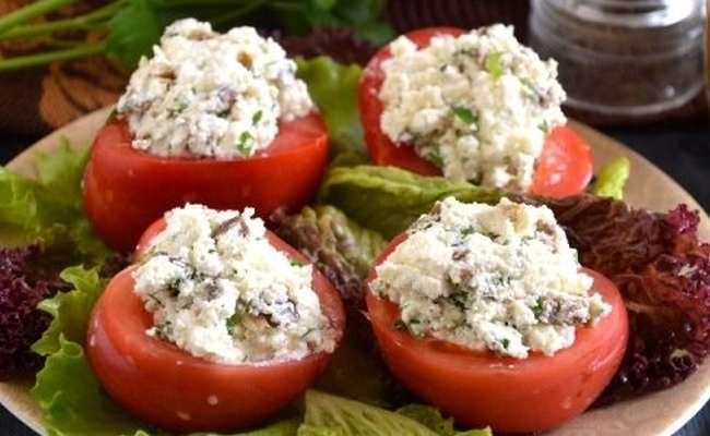 помидоры, фаршированные брынзой и оливками