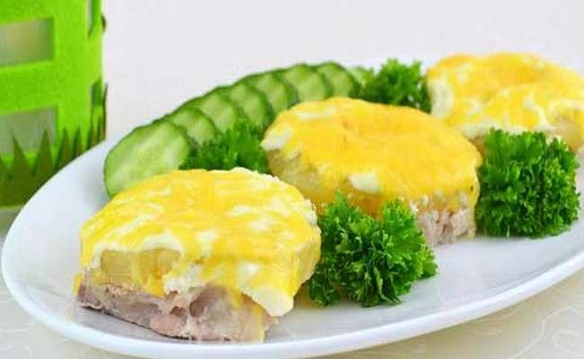 Свинина по-царски «Нежная» с ананасами под сыром