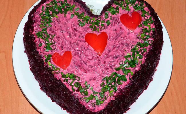 салат сельдь под шубой сердечком