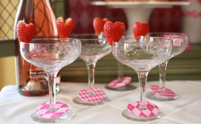 Лучшие алкогольные коктейли на День Святого Валентина – 14 самых романтичных варианта