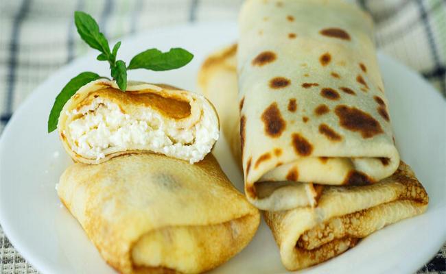 Вкусные тонкие блинчики с творогом на молоке – пошаговый рецепт