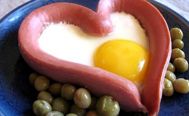 яичница сердечком