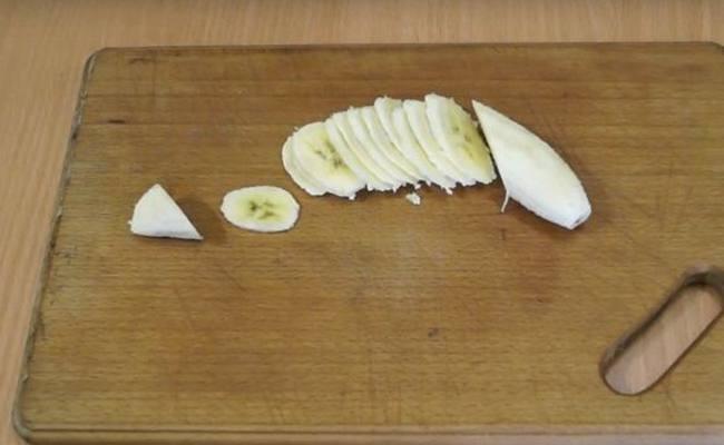 банан порезать