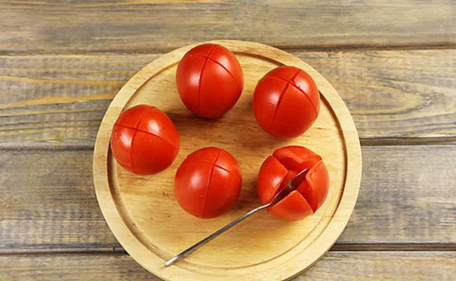 томаты порезать