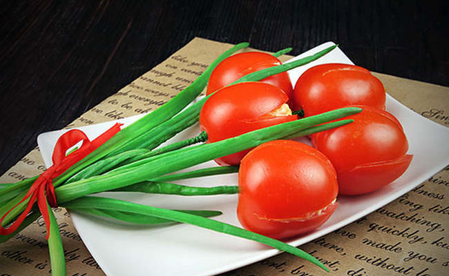 Салат «Тюльпаны» из помидоров – рецепт с фото пошагово на 8 Марта
