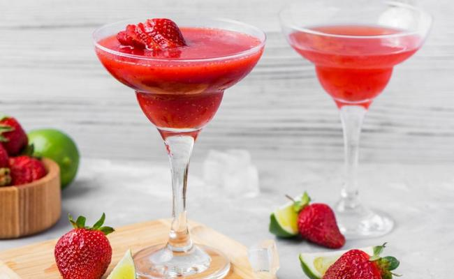 Клубничный дайкири – алкогольный рецепт коктейля