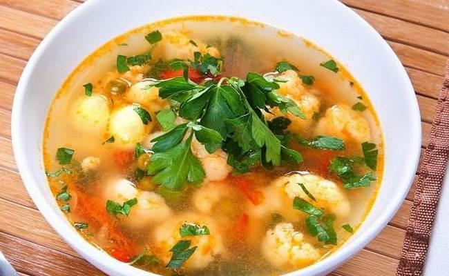 Суп с цветной капустой и сладким перцем