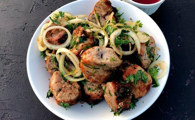 Кавказский шашлык из баранины — с добавлением грецких орехов