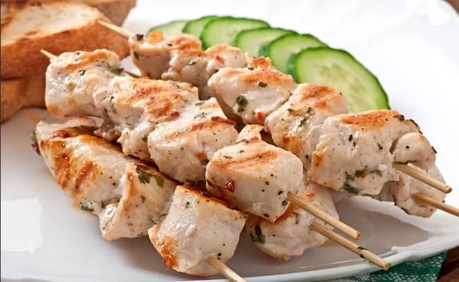 Интересный рецепт шашлыка из курицы в духовке из куриных грудок