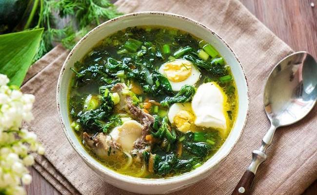 Крапивный суп с курицей и картофелем – рецепт на обед летом