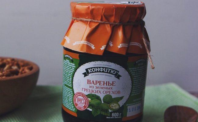 Варенье из грецких орехов с пряностями