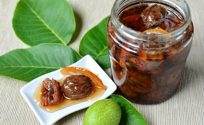 Вкусное и ароматное варенье с цитрусовыми и орехами