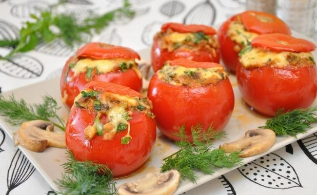 Рецепт фаршированных помидоров с грибами и рисом