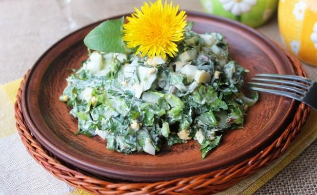 салат из одуванчика с мясом