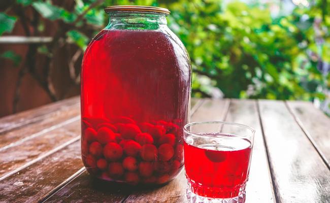 Готовим вишнёвый компот с косточками – рецепт на зиму на 3 литра