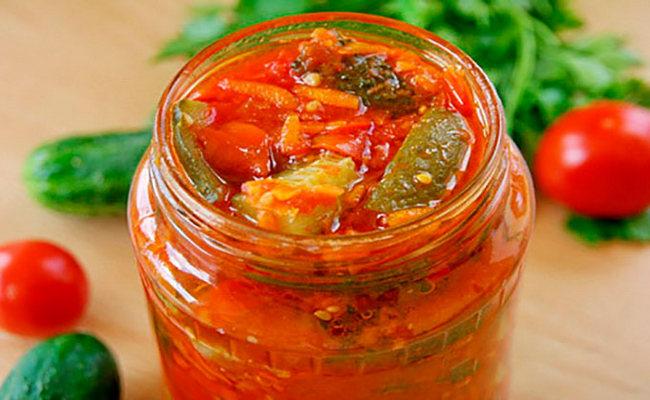 лечо с кабачком, томатом и красным перцем