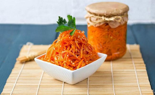 Морковь по-корейски на зиму - классический рецепт с чесноком