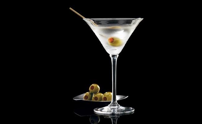 Коктейль Мартини драй – самый простой и вкусный