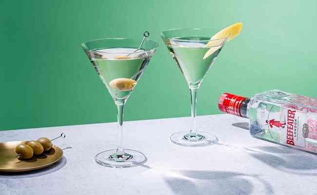 Крепкий коктейль из мартини с текилой