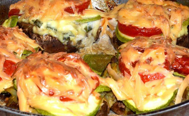 Фаршируем помидоры курицей под сыром и помидорами