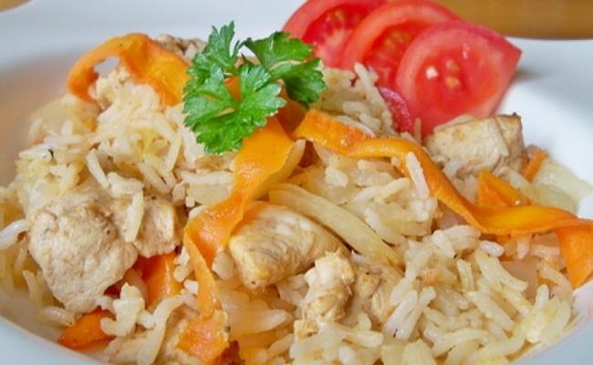 Диетическая курица с рисом в мультиварке