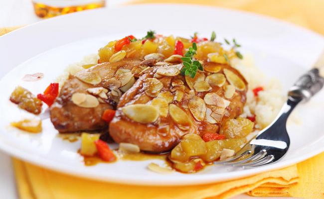 Курица в абрикосовом соусе на ужин для всей семьи