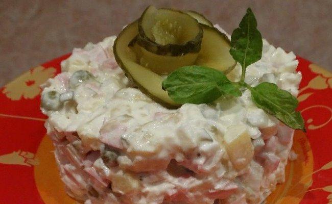 Рецепт салата оливье со свежим огурцом и яблоком