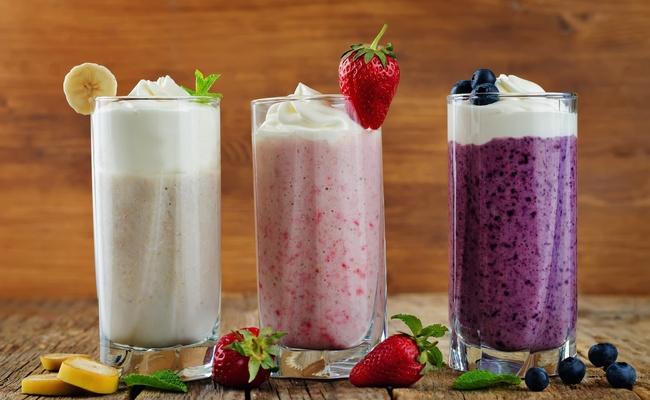 Молочные коктейли с фруктами в блендере – рецепты в домашних условиях