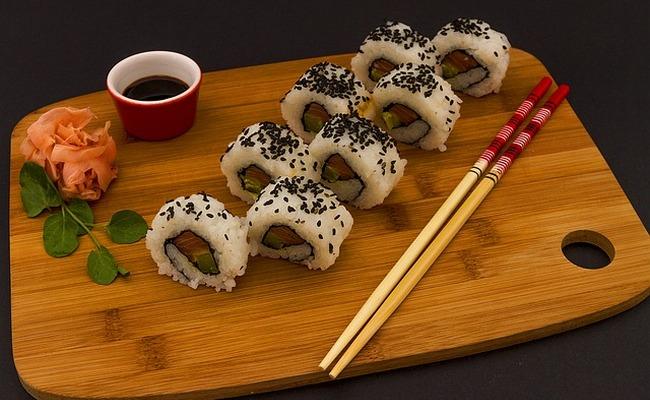 Светящиеся палочки для суши и роллов – как сделать правильный выбор