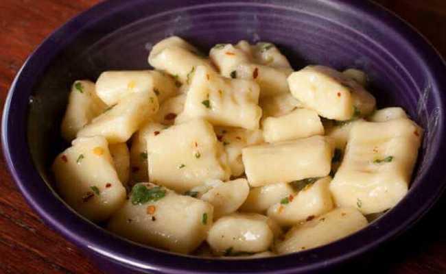 Картофельные клёцки в сливочном соусе