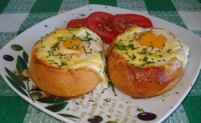 Как сделать яичницу в мультиварке в хлебе