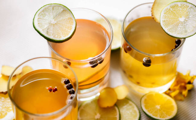 Домашний лимонад из замороженной облепихи с имбирём и мятой