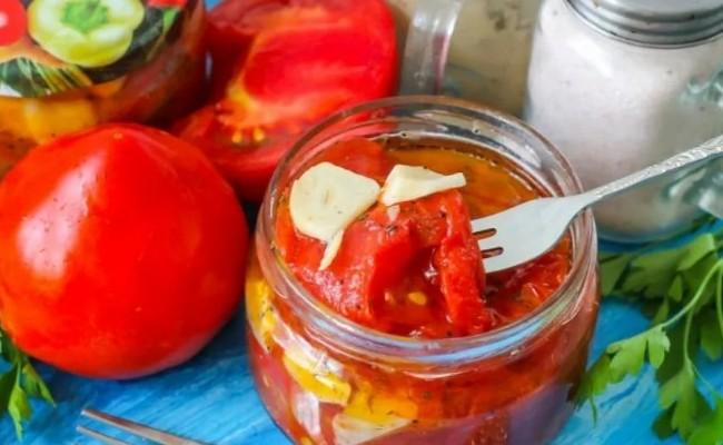 Заготавливаем жареные помидоры на зиму с чесноком в банках