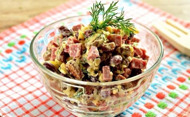 Вкусный салат Рыцарский с фасолью – рецепт с фото