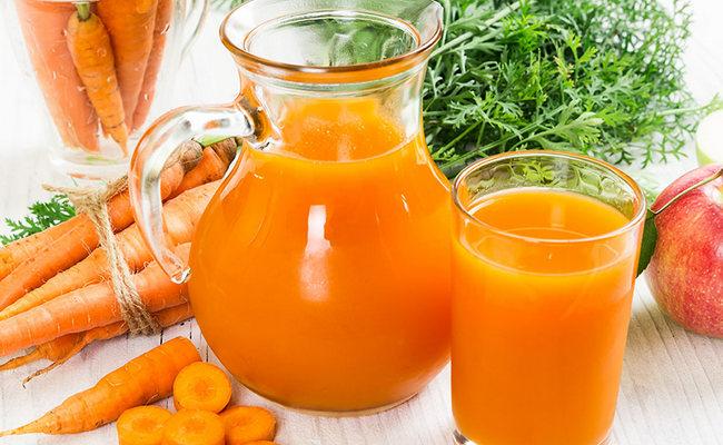 Готовим морковный сок с апельсином в домашних условиях