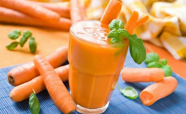 Морковный сок на зиму с тыквой и курагой