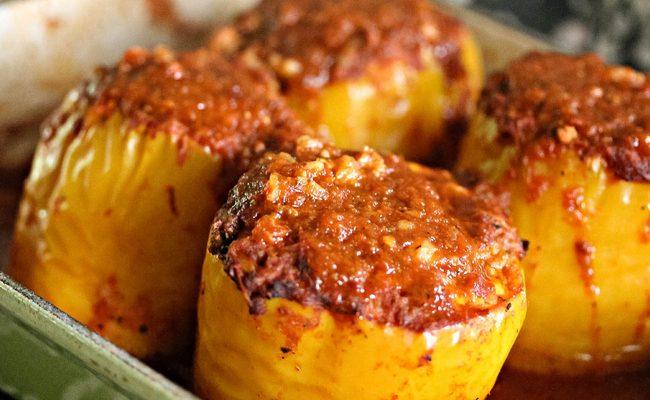 Простой соус для фаршированных перцев на бульоне в духовке – рецепт