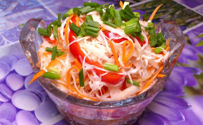 Вкусная маринованная капуста быстрого приготовления с морковью и болгарским сладким перцем