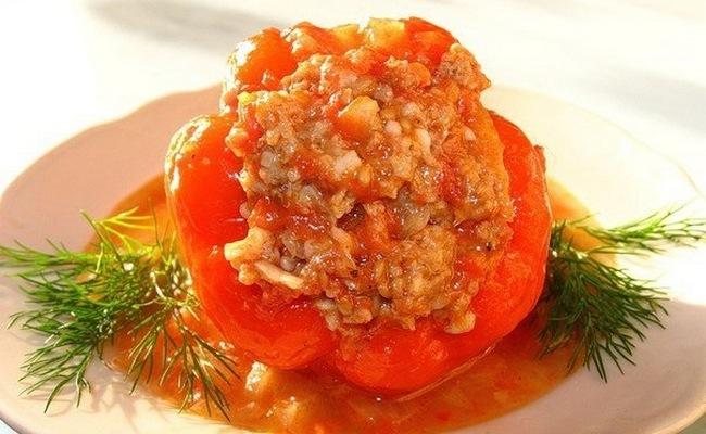 Заливка для фаршированного перца с томатной пастой, имбирём и кориандром